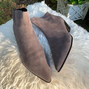 NICE CONDITION DKNY BOOTIE